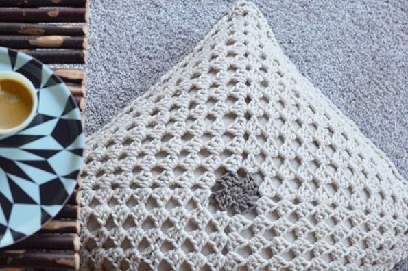 coussin crochet laine