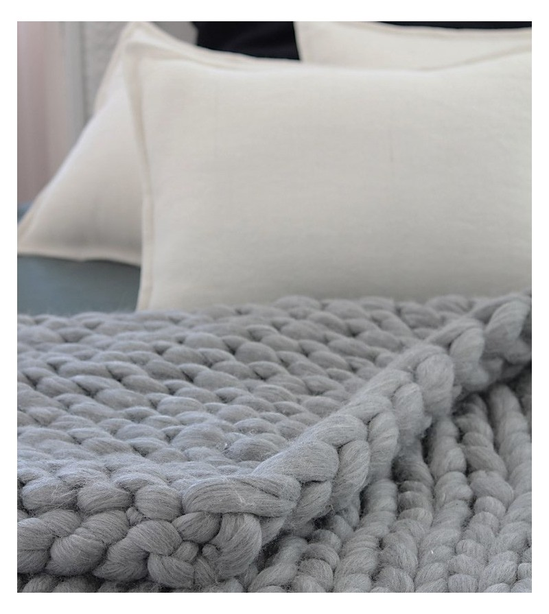 laine a tricoter a la main