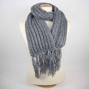 laine a tricoter grise