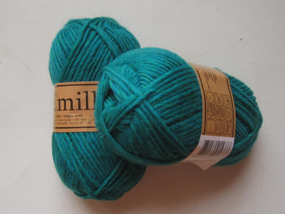 pelote de laine bleu turquoise