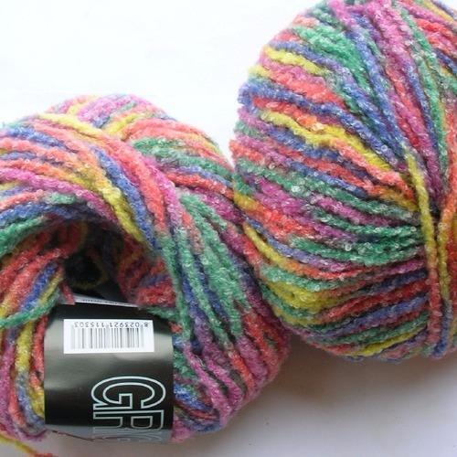 pelote de laine tricolore