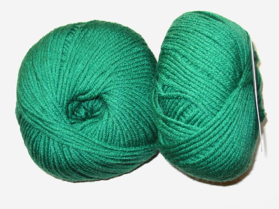 pelote de laine vert emeraude