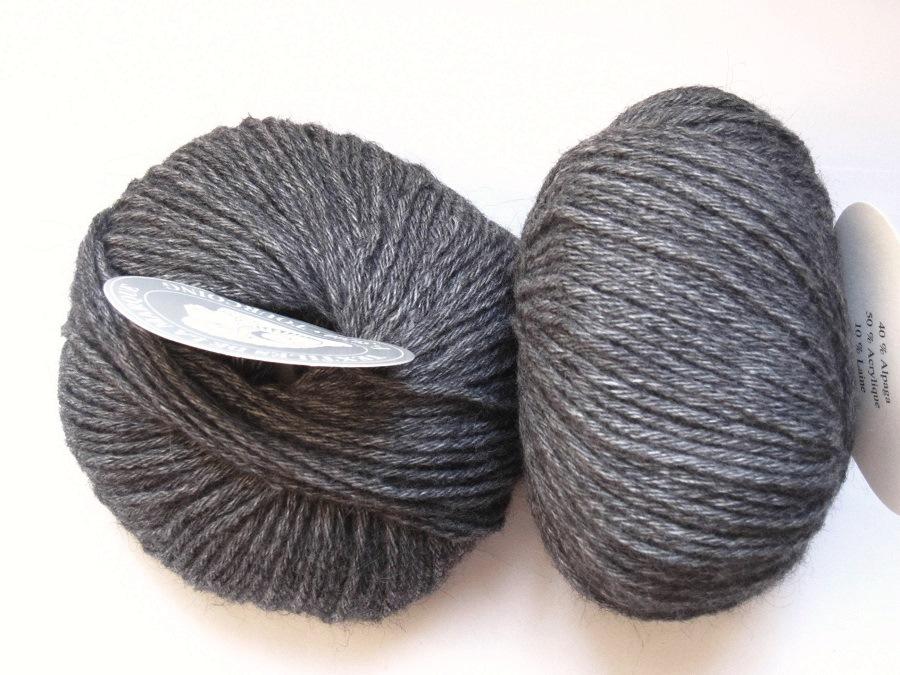 tricot laine grise