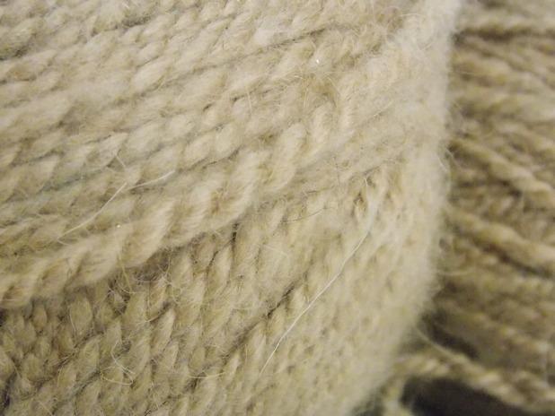 pelote de laine naturelle